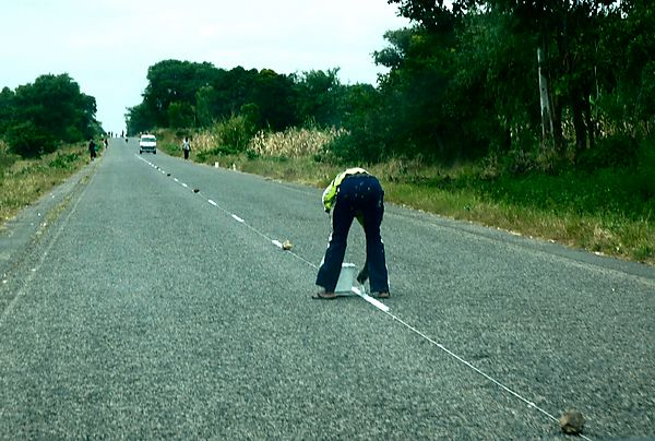Maintaining the roads in Malawi