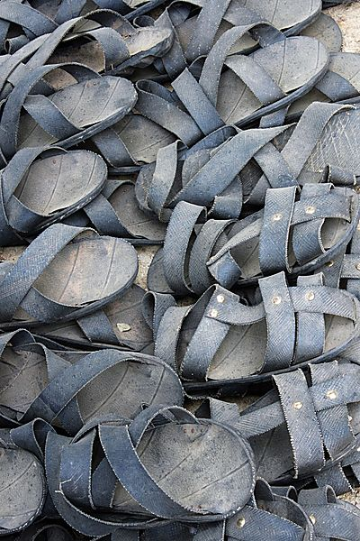 Sandals from tyres
